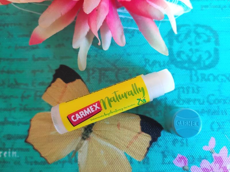 carmex naturally lipbalm
